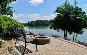Waterfront-Homes-Lake-Norman-Real-Estate